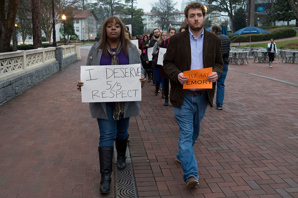 Protestors begin their march to Robert W. Woodruff Library.